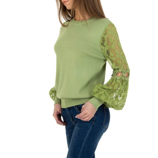 Trendy groene pullover met kant.