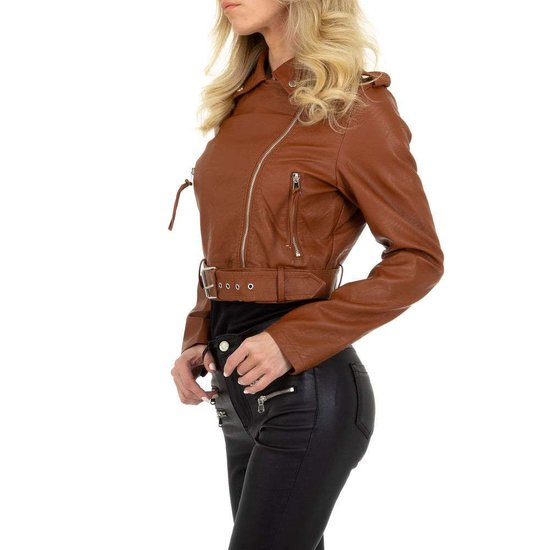 Stylishe korte bruine leatherlook biker jacket.