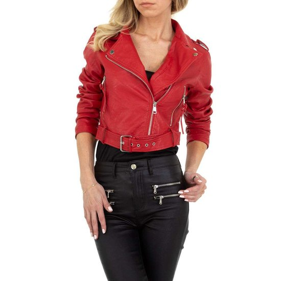 Stylishe korte rode leatherlook biker jacket.