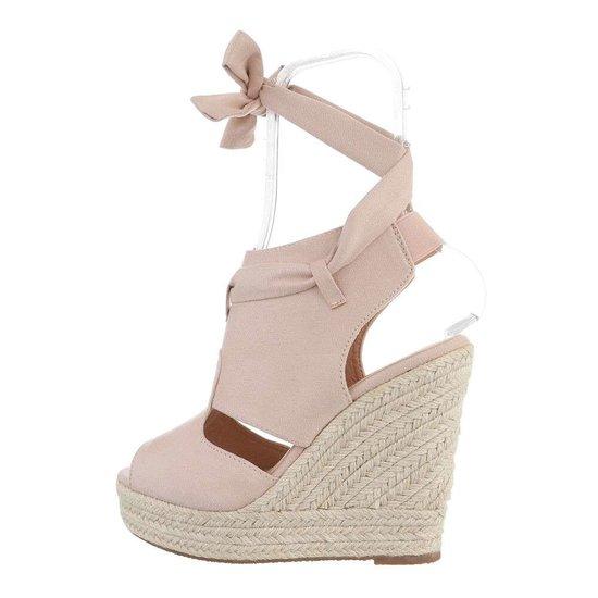 Beige hoge daimen sandaal met sleehak Alegra.SOLD OUT