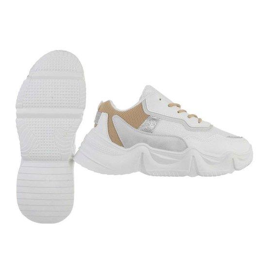 Sportieve lage witte-beige sneaker Lanza.