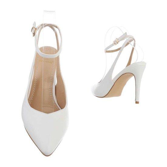 Witte pump Mirella.