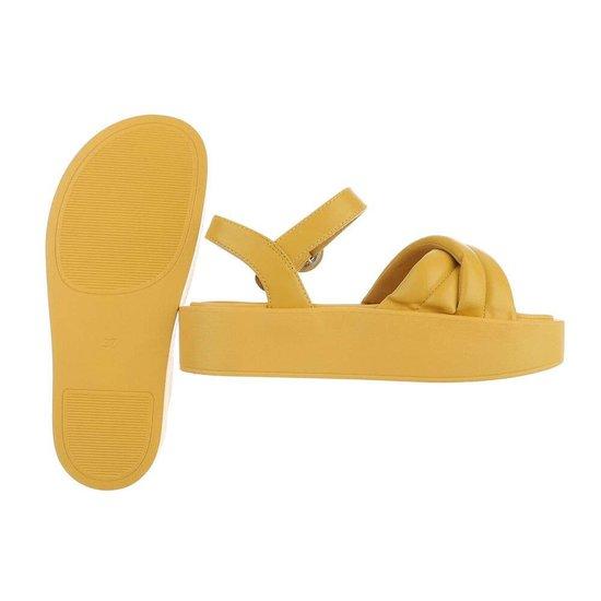 Gele platform sandaal Juliette.