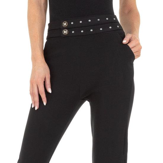Trendy zwarte chinobroek met stretch.