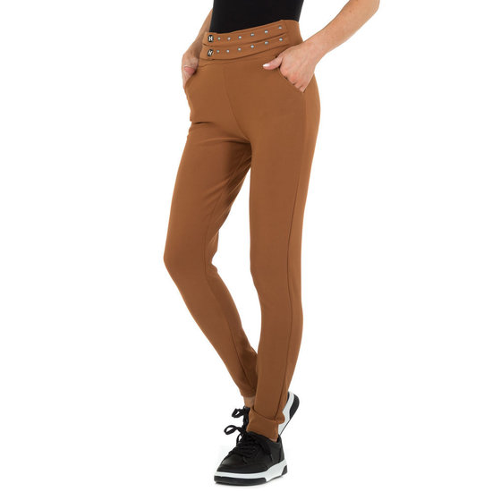 Trendy bruine chinobroek met stretch.