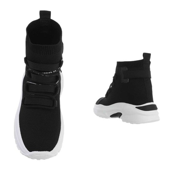 Trendy hoge zwarte textiel sneaker Aicha.