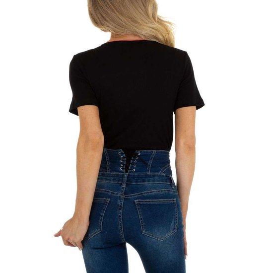 Zwarte T-shirt met contrast banden.