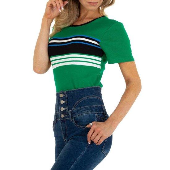 Groene T-shirt met contrast banden.