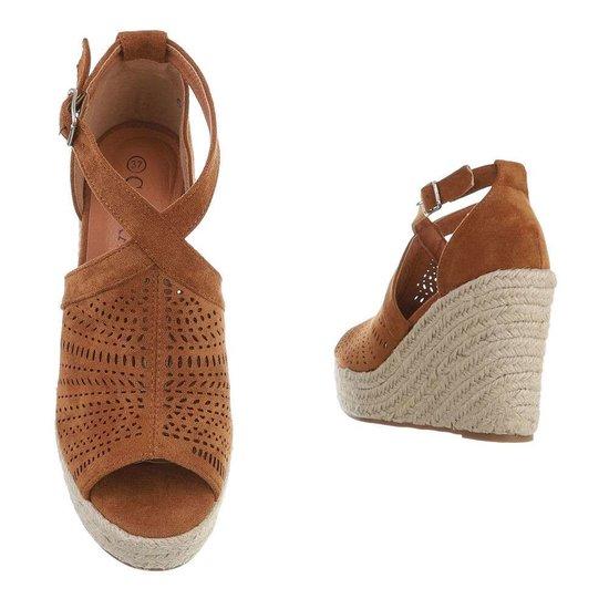 Bruine hoge sandaal met sleehak Krista.