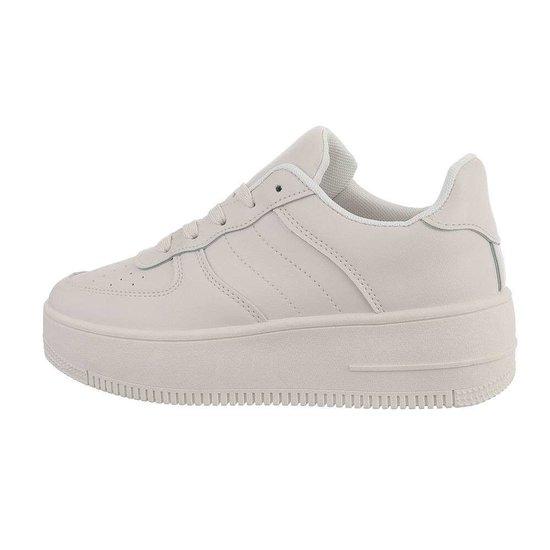 Classy beige sneaker Onka.