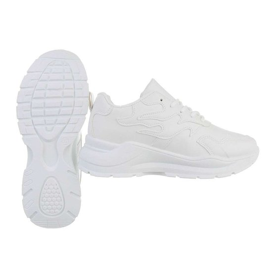 Lage witte sneaker Tanka.