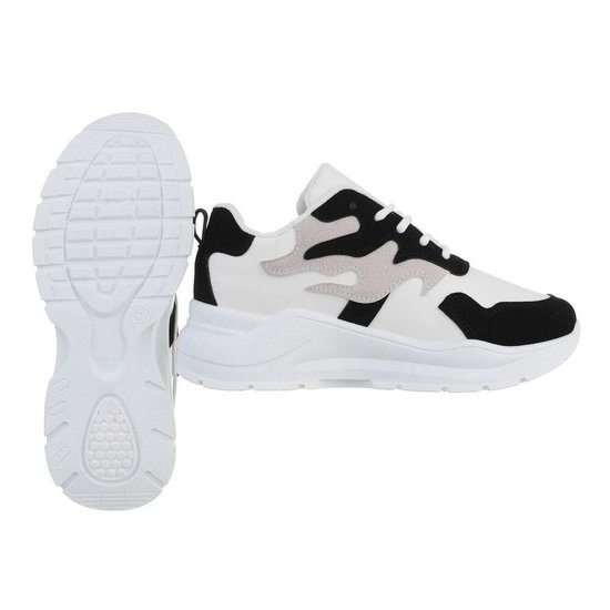Lage wit-zwarte sneaker Tanka.