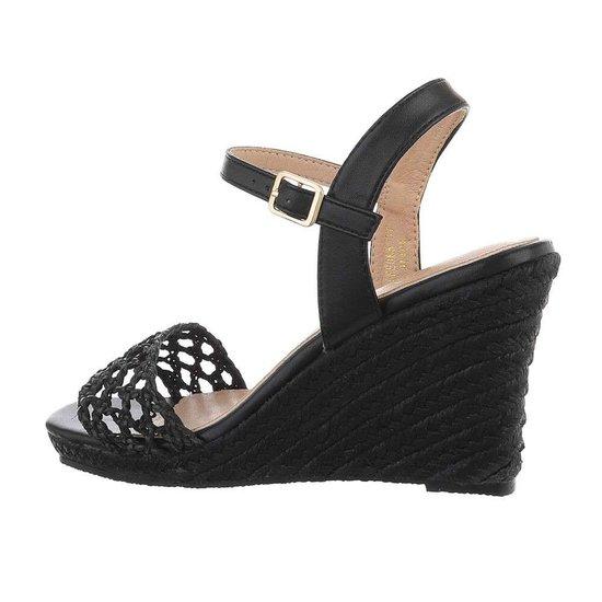 Classy hoge zwarte sandaal met sleehak Rosan.