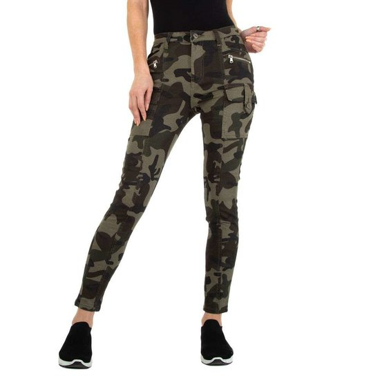 Hippe camou green cargo jeans.