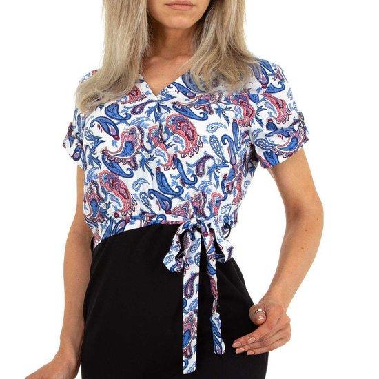 Blauwe floral top.