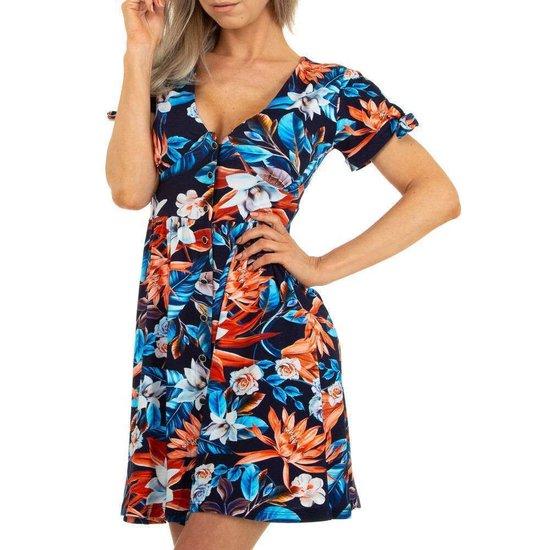 Korte blauwe bloemen jurk.