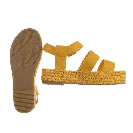 Gele platform sandaal Faysa.