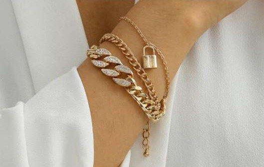 Trendy tripple gouden-zilveren armband set.