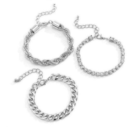 Modieuze 3 delige zilveren armband.