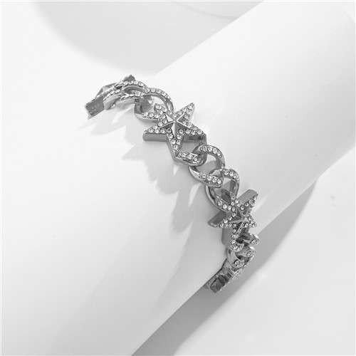 Zilveren armband met sterren.