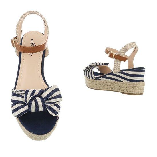 Zomerse blauwe wedge sandaal Manon.