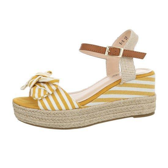 Zomerse gele wedge sandaal Manon.