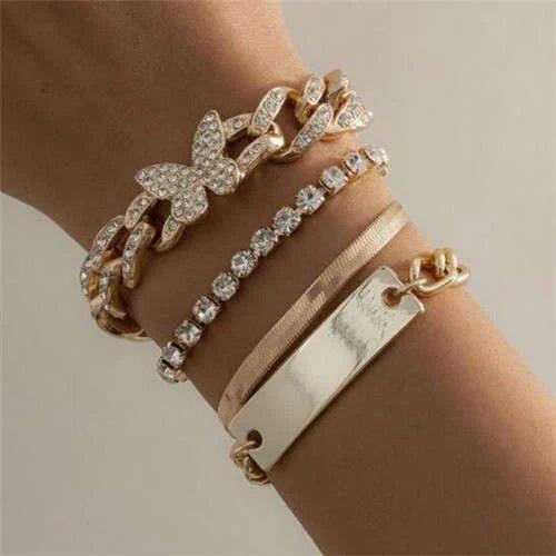 4 delige gouden fashion armbanden set.