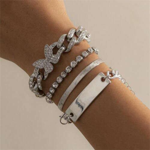 4 delige zilveren fashion armbanden set.
