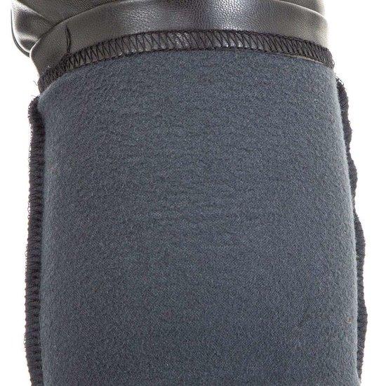 Trendy thermo leatherlook broek met knoppen deco.