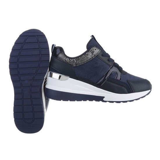 Donker blauwe hoge sneaker Damita.SOLD OUT