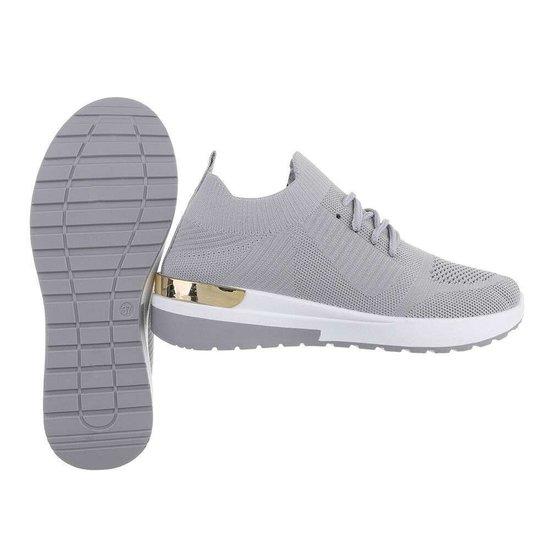 Trendy lage grijze sock sneaker Pepa.