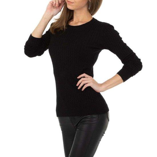 Zwarte pullover met struktuur.