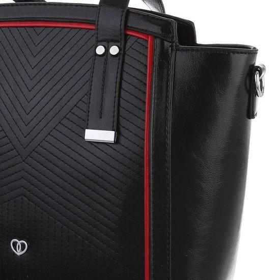 Middelgrote zwarte schoudertas met details.