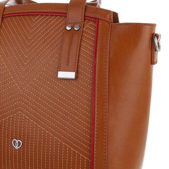 Middelgrote bruine schoudertas met details.