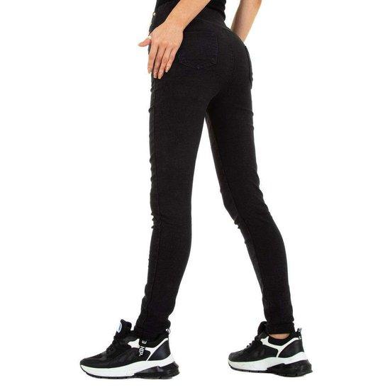 Zwarte jeans met knoppen deco.