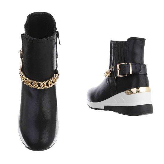Fashion hoge zwarte sneaker Adana.