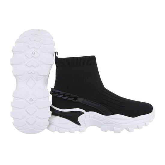 Trendy hoge zwarte sock sneaker Jenara.
