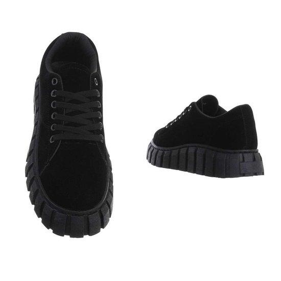 Zwarte lage textiel sneaker Miche.