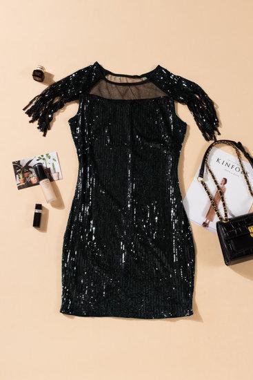 Stylish zwarte mini bodycon jurk.