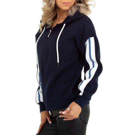 Sportieve donker blauwe sweater met contrast kleurige band.