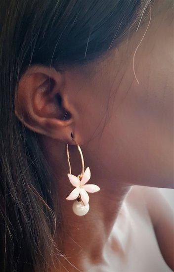 Rose bloem oorbellen.