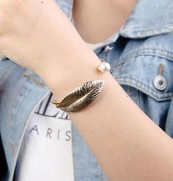 Armband in bladvorm