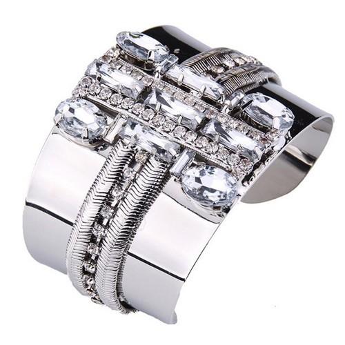 Brede armband met ingelegd bergkristal.