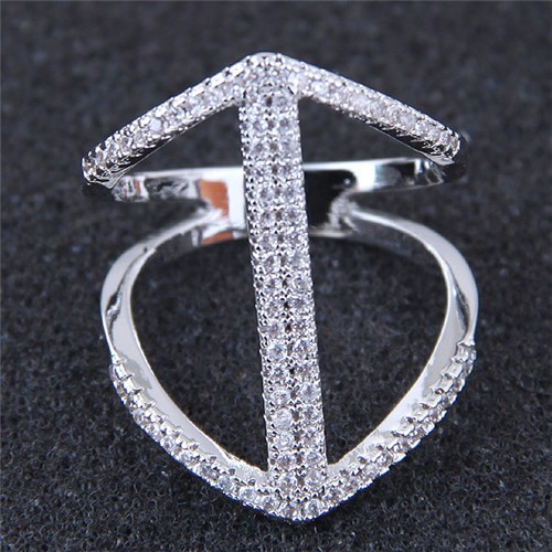 Fashion knokkel ring met zirconia.