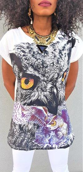 Fashion T-shirt.