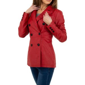 Trendy rode leatherlook jas.