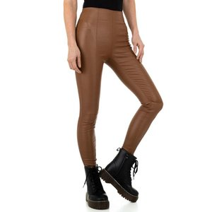 Stijlvolle bruine leatherlook broek met hoge taille.